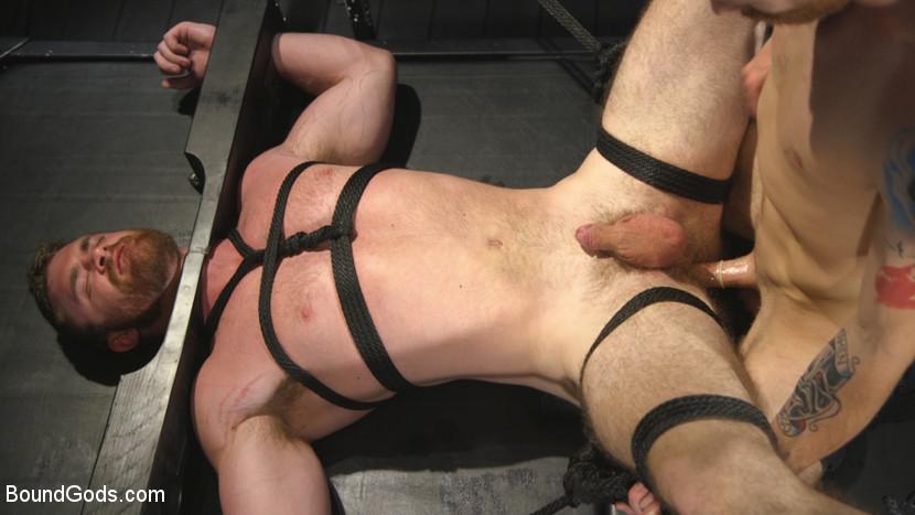 scott_ambrose_and_sebastian_keys_gay_bondage_03