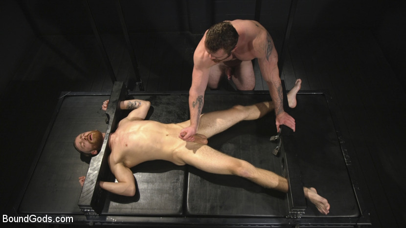 scott_ambrose_and_sebastian_keys_gay_bondage_06