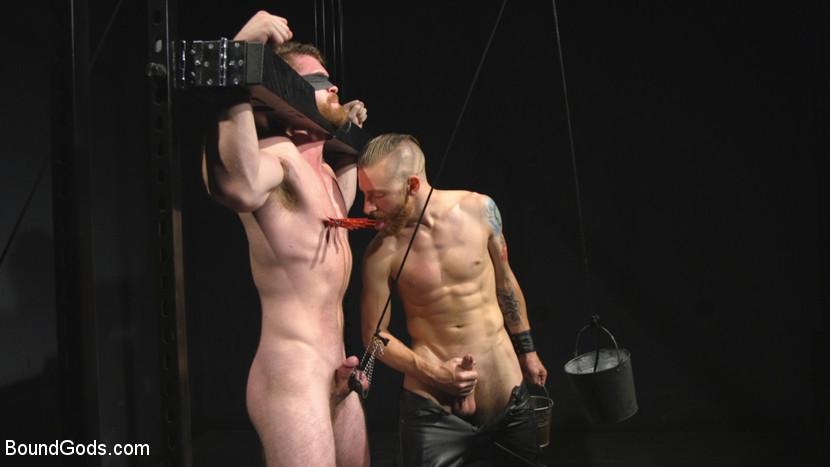 scott_ambrose_and_sebastian_keys_gay_bondage_07