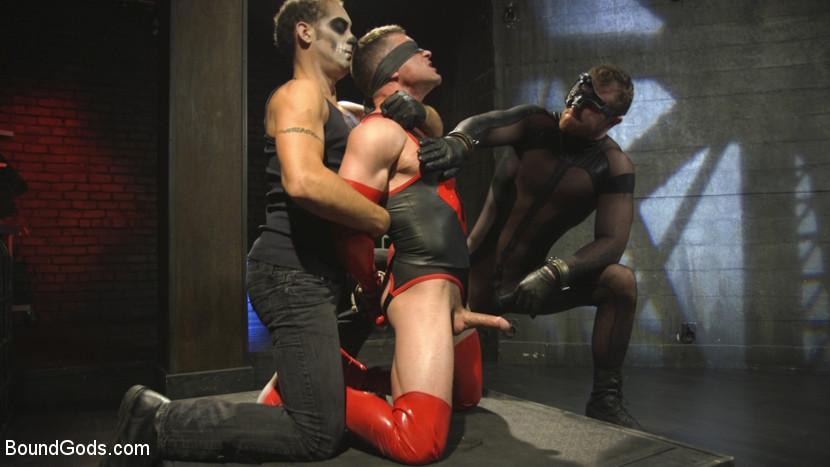 bondage_superhero_porn_02