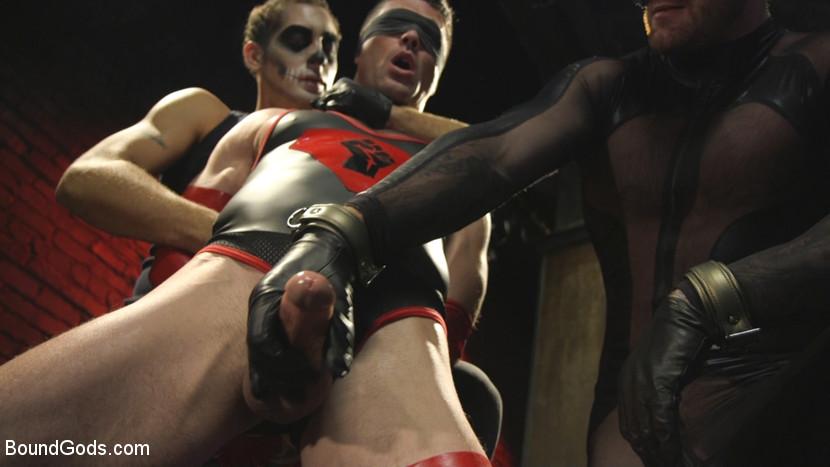 bondage_superhero_porn_03
