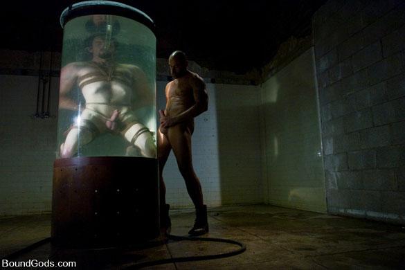 dean_tucker_gay_bondage_12