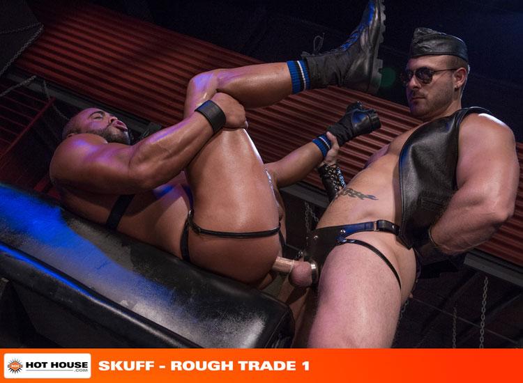 micah_brandt_and_austin_wolf_gay_bondage_05