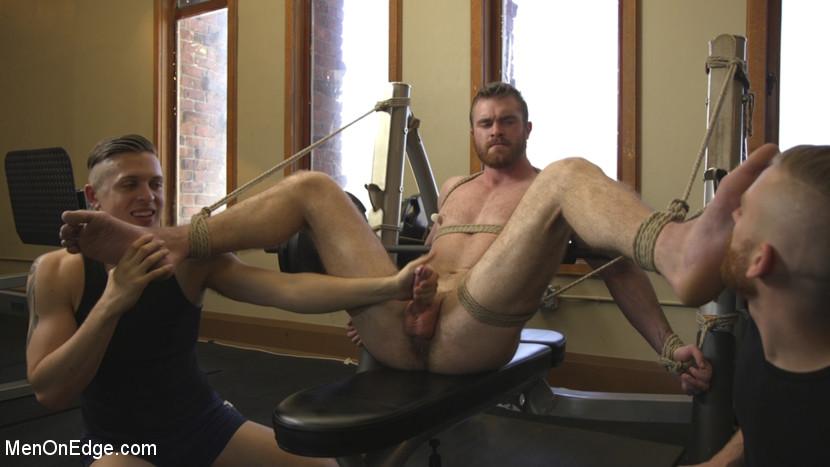 scott_ambrose_gay_bondage_03