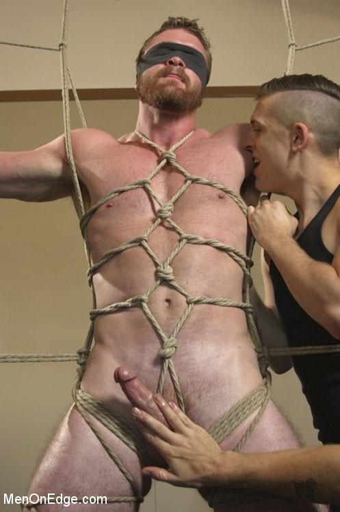 scott_ambrose_gay_bondage_vert