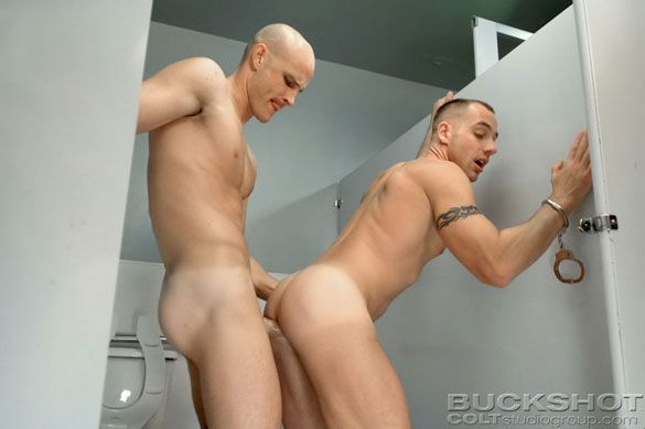 gay_sex_with_handcuffs