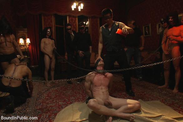 blake_daniels_gay_bondage_02