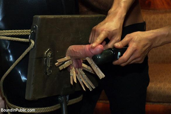 cole_streets_and_eric_wild_gay_bondage_04