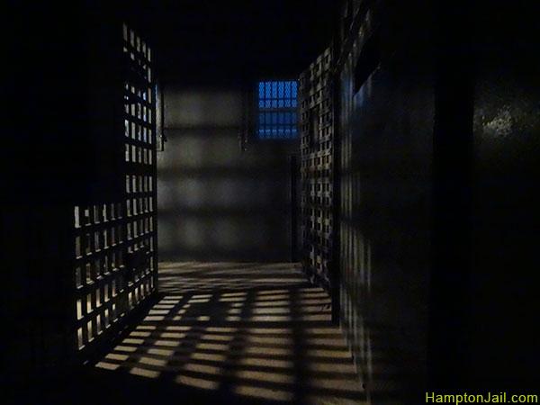 hampton_jail_metalbond_10