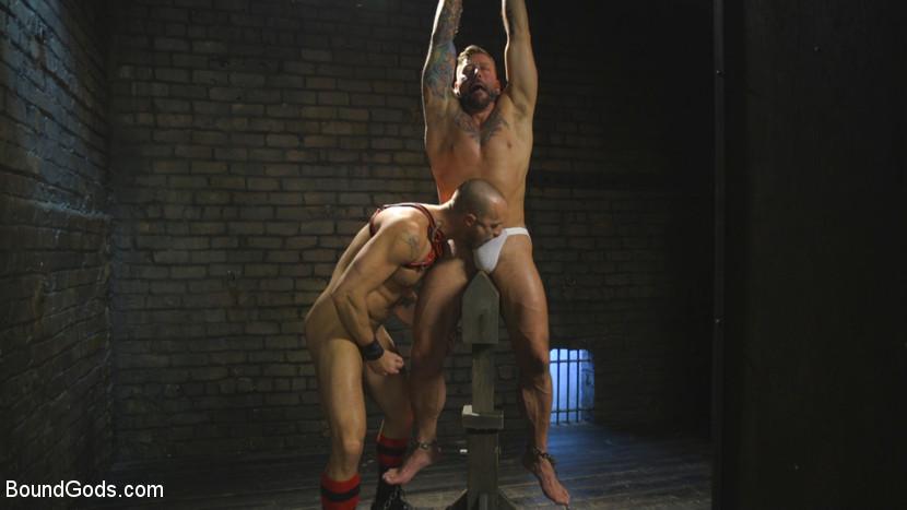 hugh_hunter_and_jessie_colter_gay_bondage_07