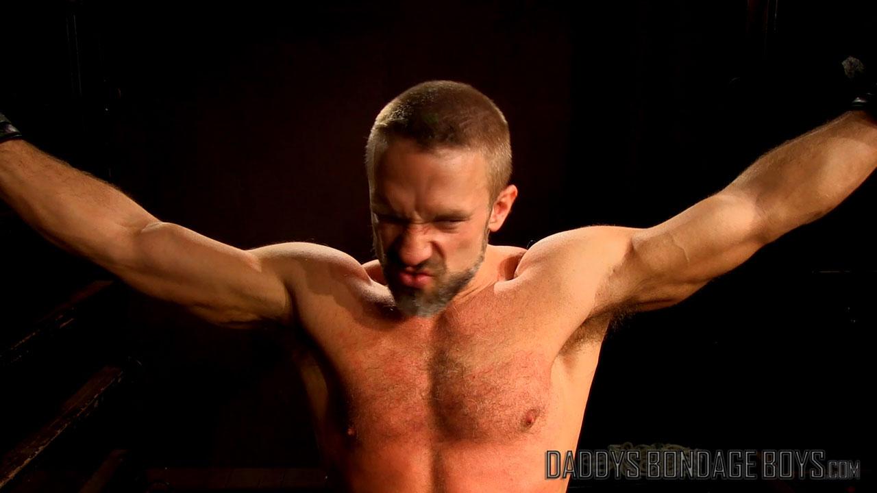 Male BDSM: Drake Jaden flogs Dirk Caber