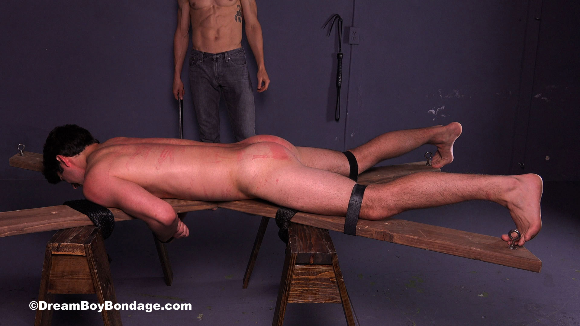 Video: Straight frat jock Austin is brutally flogged, spanked and penetrated