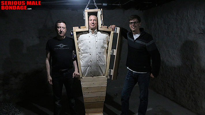 Bondage gear: Wood coffin