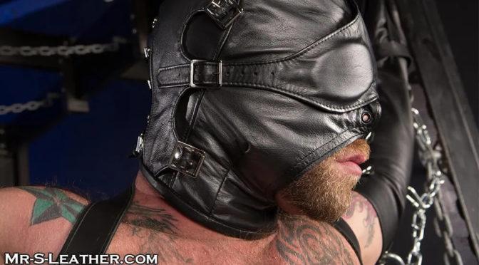Male BDSM gear: Asylum hood and muzzle