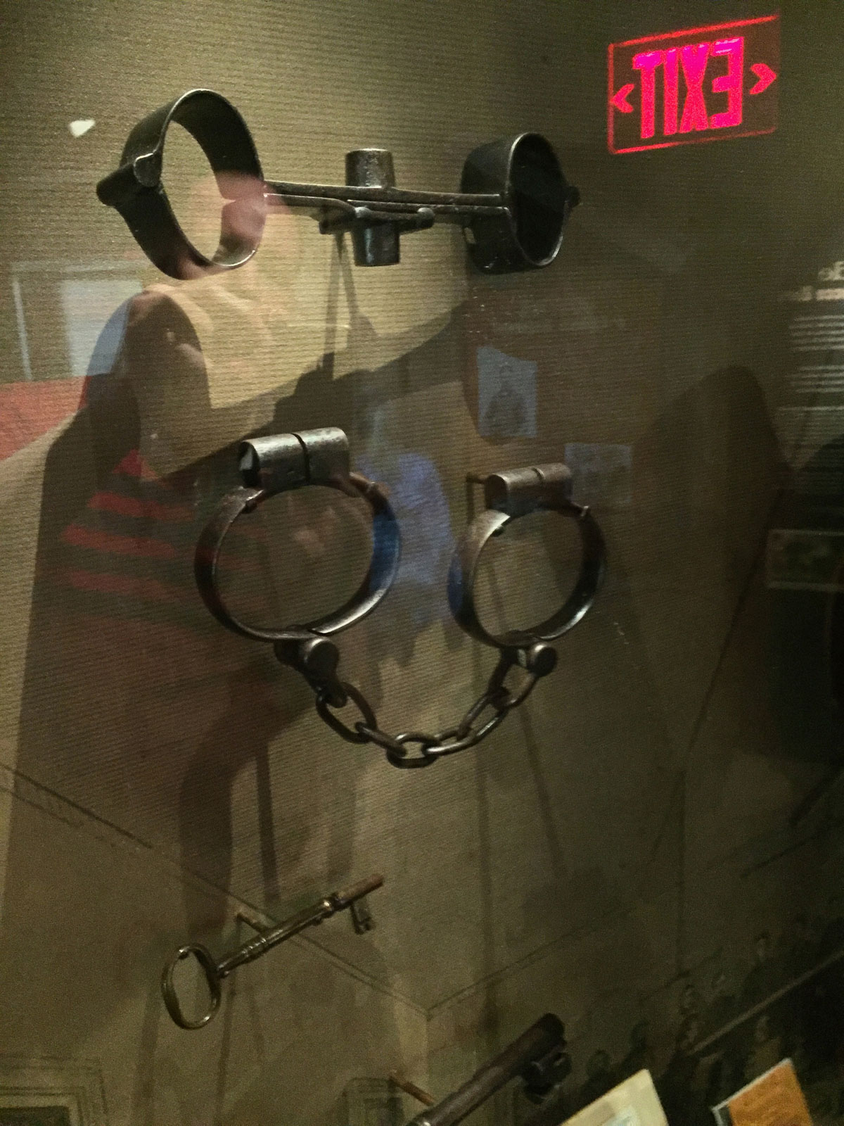 Samuel Mudd ridig handcuffs and leg cuffs