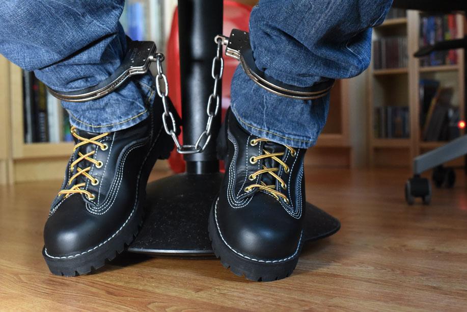 sneaker Boy ankle cuffs