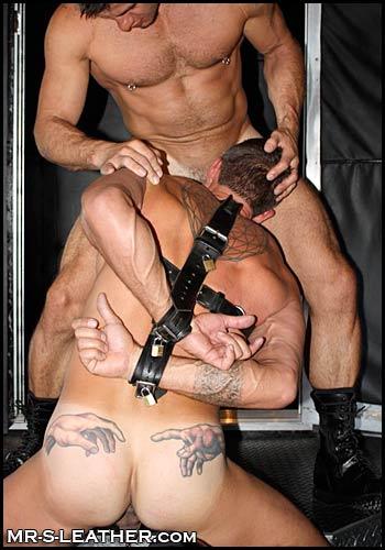 male bondage gar