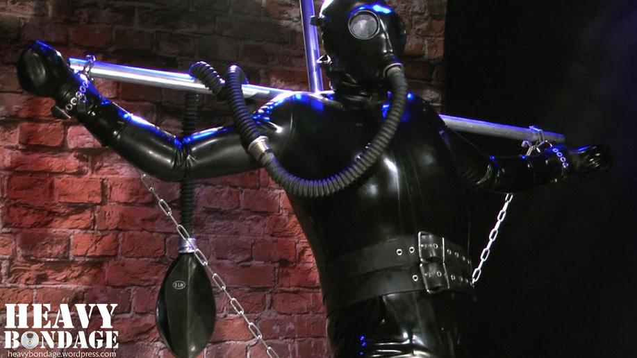 Rubbery chain bondage