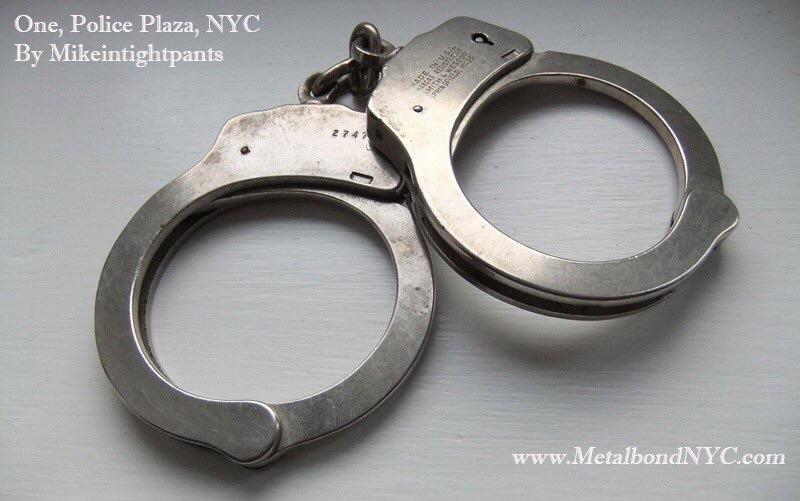 Mikeintightpants handcuffs