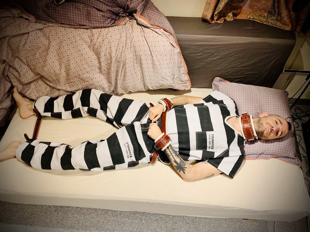 male bondage prisoners