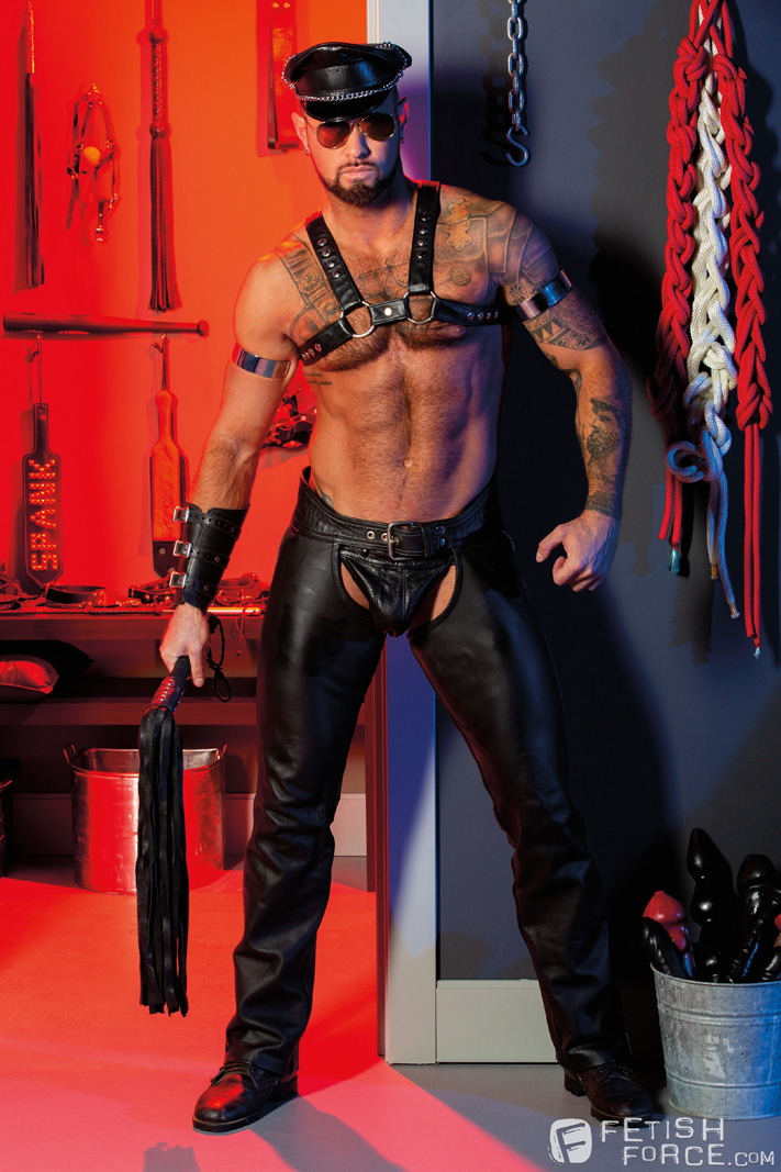 Mason Lear, Michael Roman male bondage