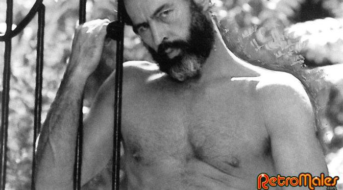 Vintage gay porn with Richard Locke