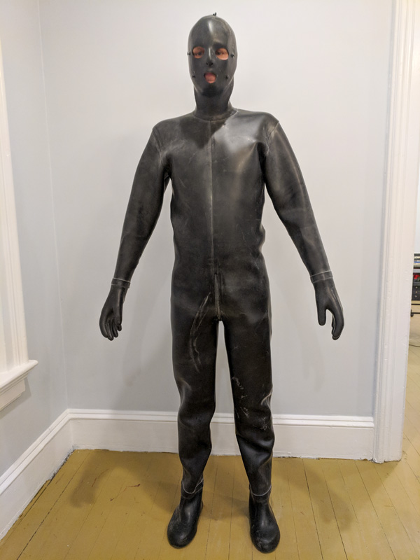 male bdsm full rubber bondage