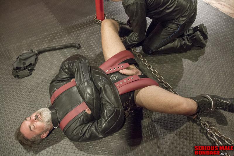 Mr Kristifer gay bondage