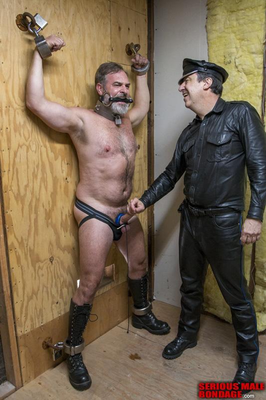 Mr Kristofer aka Steve Landess male bdsm gay porn bondage